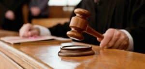 contrata a procuradores